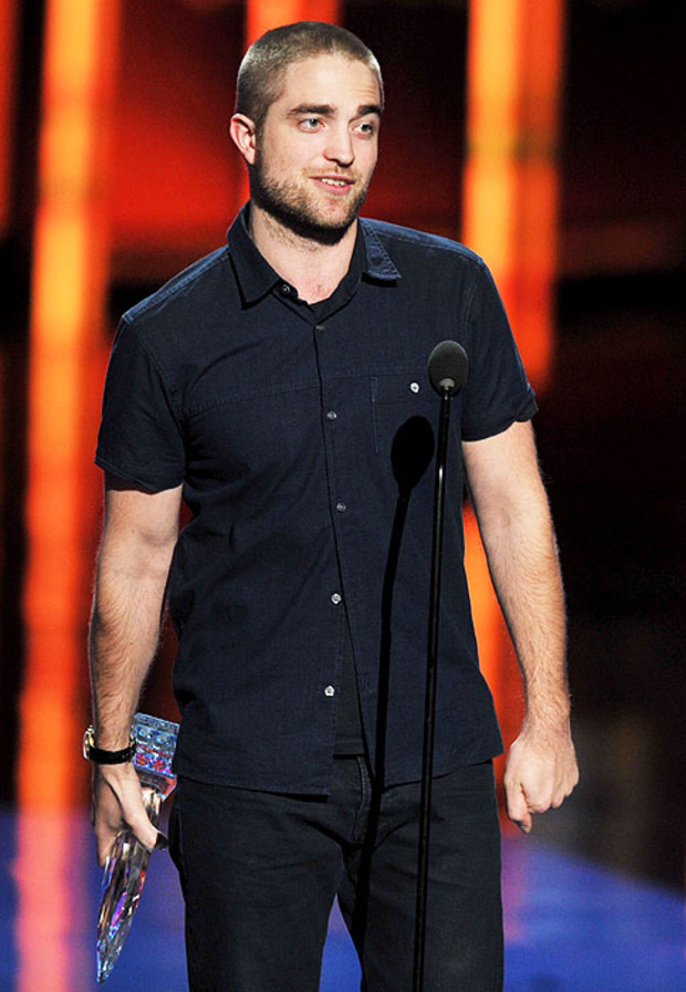 Robert-Pattinson-Peoples-Choice-Awards-2012