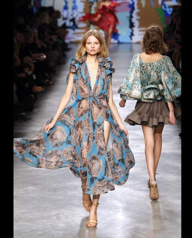stella-mccartney-sommer-2010-hippie-kleid