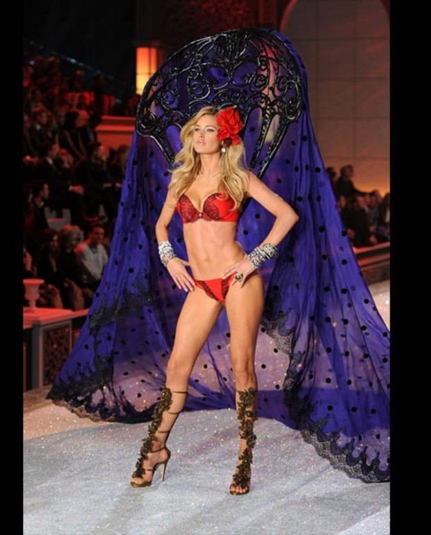 douzen-kroes-victorias-secret-fashion-show