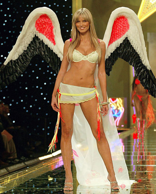 Victoria-Secret-Best-of-Heidi-Klum-2002