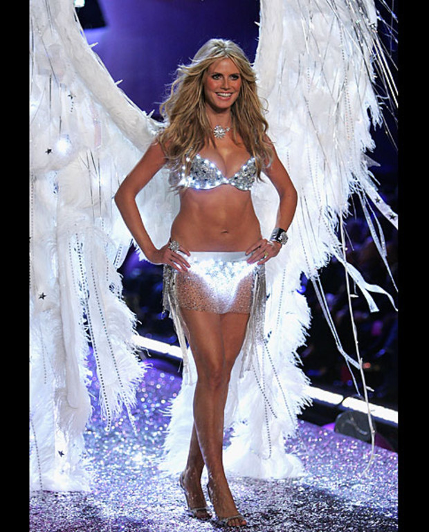 Victoria-Secret-Best-of-Heidi-Klum-2005