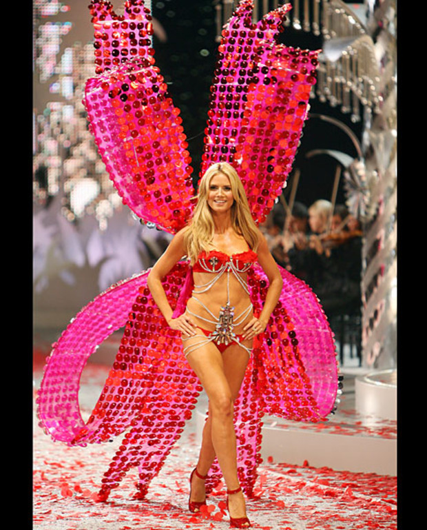 Victoria-Secret-Best-of-Heidi-Klum-2008