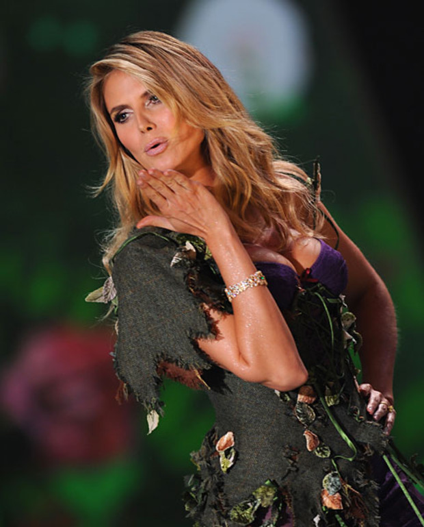 Victoria-Secret-Best-of-Heidi-Klum-2009