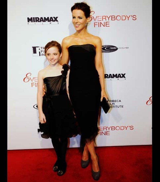 17-kate-beckinsale-lilly-sheen-everybodys-fine