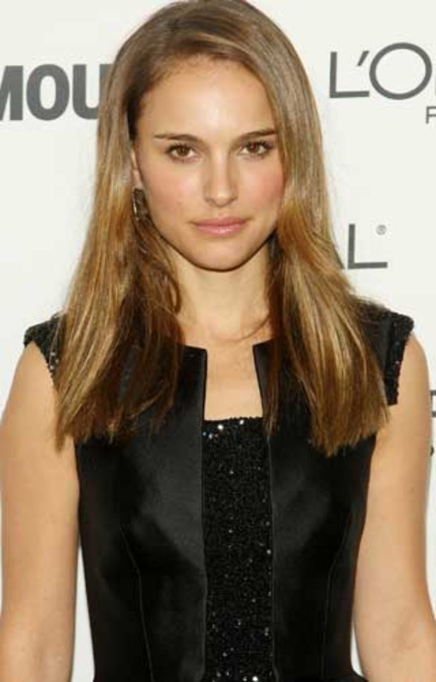 glamour-woman-of-the-year-natalie-portman-carpet