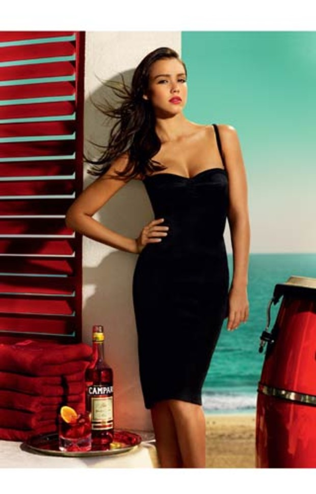 jessica-alba-campari-hot-black-dress