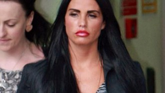 katie-price-katie-price-attackiert-peter-andre-15072010