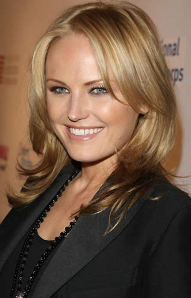Malin-Akerman-Actress-The-Watchmen-AV5