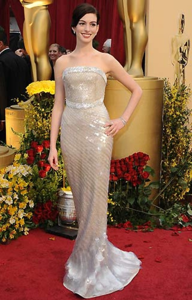 Oscar-2009-Best-Dressed-Anne-Hathaway