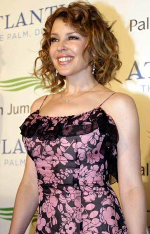 kylie-minogue-the-plam-dubai-event-show