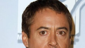 robert-downey-jr-robert-downey-jr-betatigt-sich-als-superheld-31032010