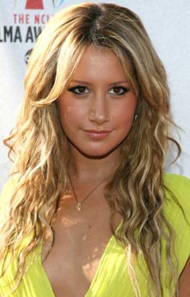 ashley-tisdale-frisur-blond