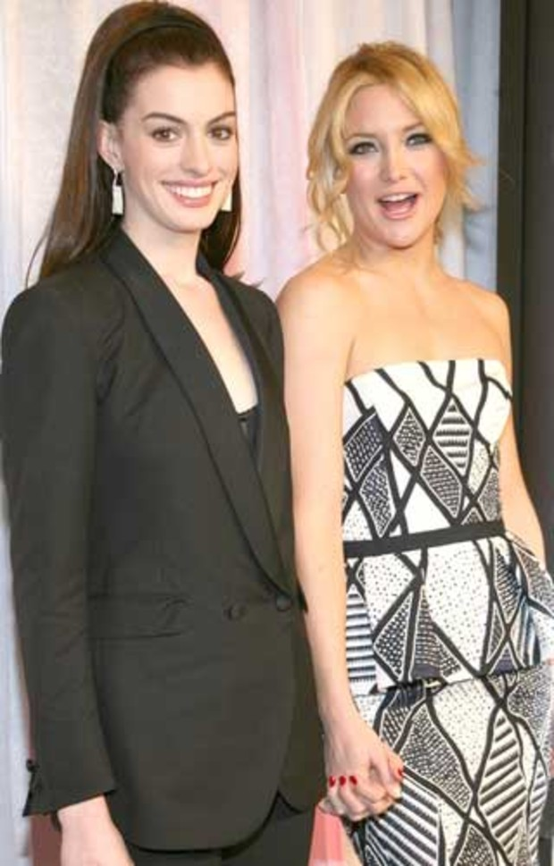 anne-hathaway-kate-hudson-bride-wars