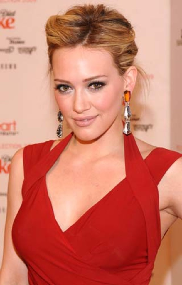 18-mercedes-benz-fashion-week-hilary-duff