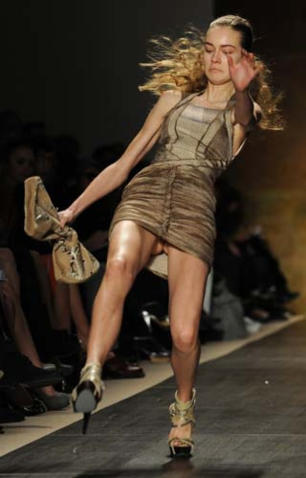 24-mercedes-benz-fashion-week-herve-leger