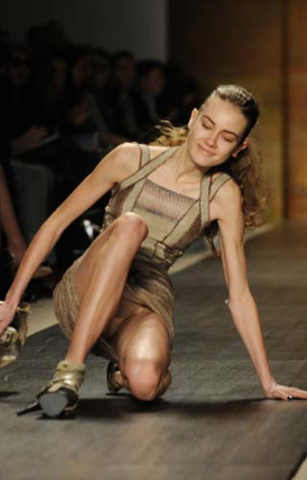 25-mercedes-benz-fashion-week-herve-leger