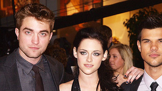 "London Calling! Die Twilight-Gang um Robert Pattinson, Kristen Stewart und Taylor Lautner, feierte gestern (16. November) in London die ""Breaking Dawn""-Premiere."