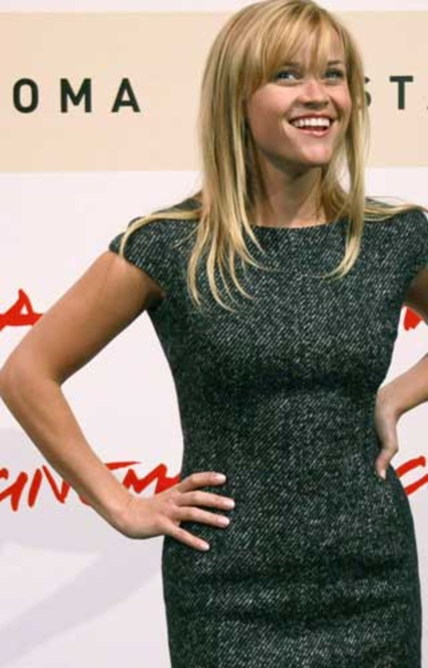 4 reesewitherspoon sexy premiere