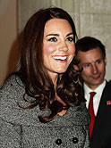 Kate-Middleton-Solo-Auftritt-Lucian-Freud-exhibition-AB.jpg